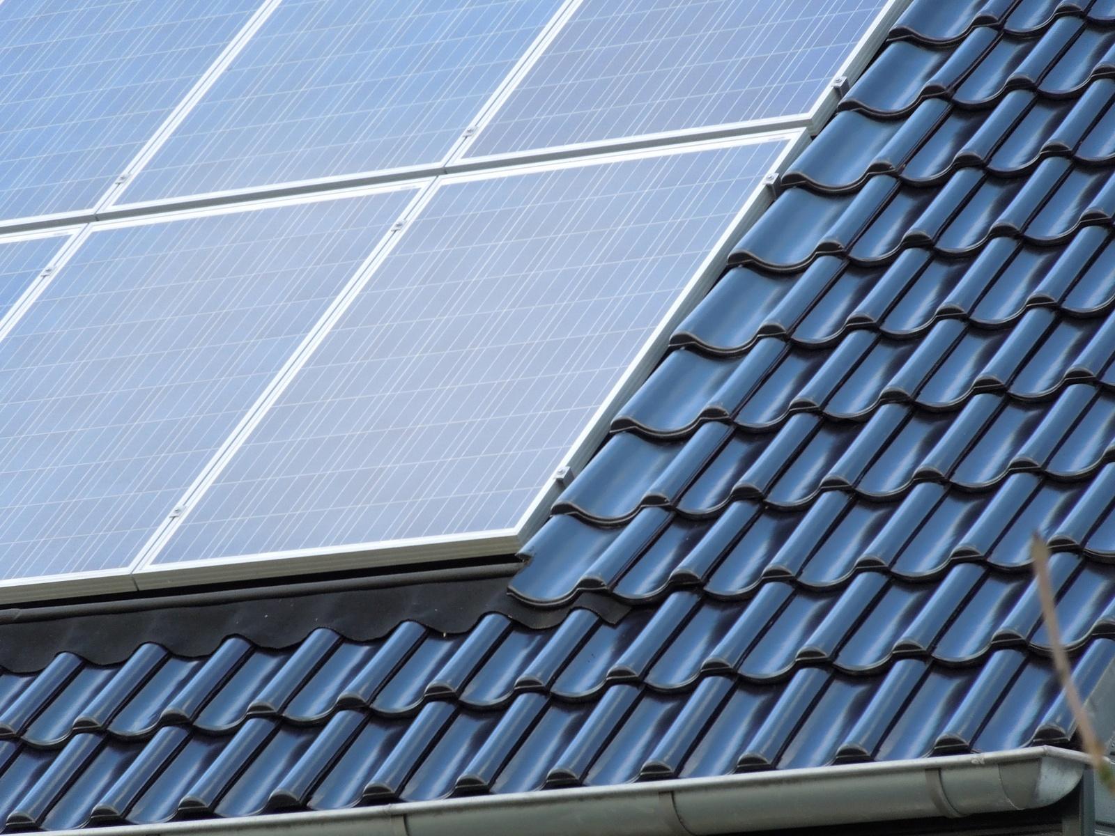 pv panelen in dak weggewerkt